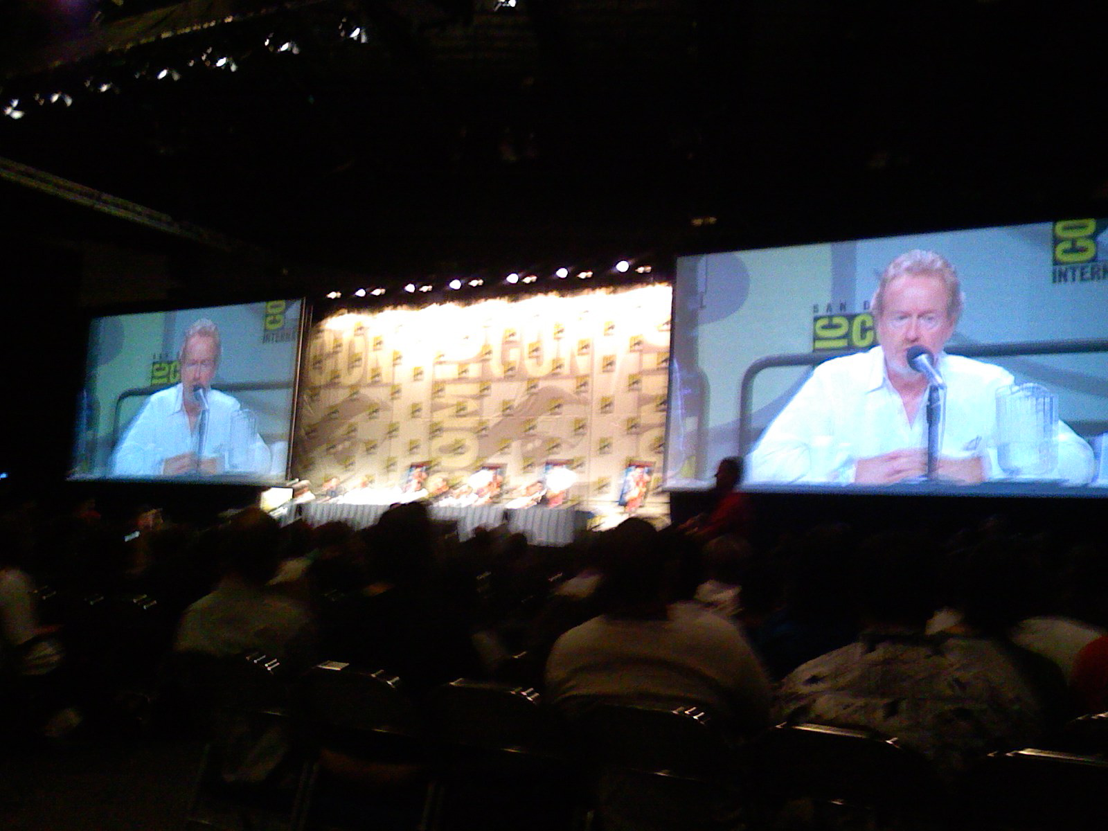 Panel discussion with Ridley Scott, Blade Runner: The Final Cut at COMICON